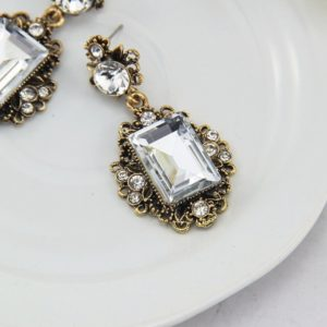 White Vintage Shiny Resin Stone Drop Earrings
