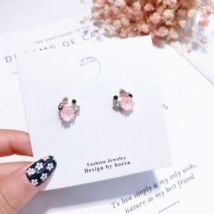 Lovely Shell Flower Stud Earrings