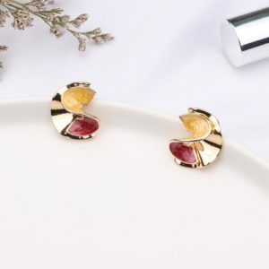 Metal Acrylic Vintage S Shape Stud Earrings